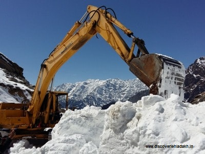 A snow cutter removes snow from Manali-Leh highway