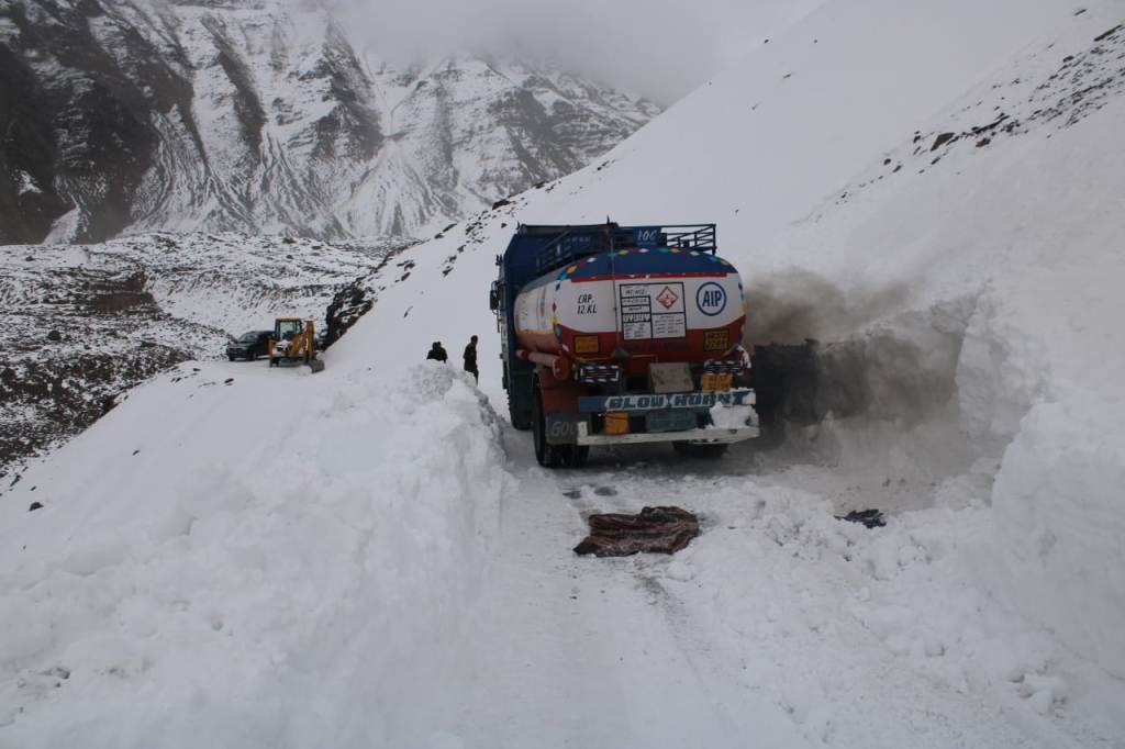 Baralacha pass after snowfall