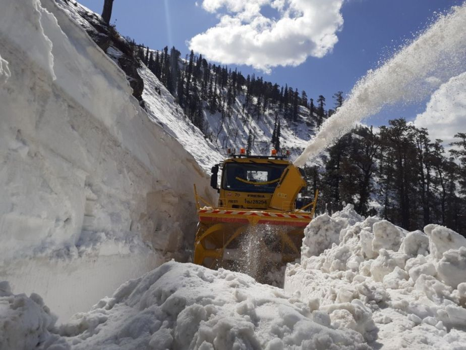 Snow Cutter removes snow near Rohtang pass